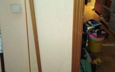 Reparar cerco de puerta y reparación de pintura. en Avda Reina Victoria